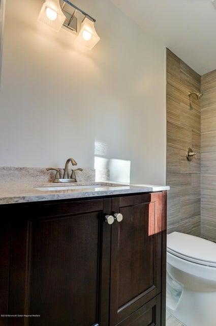 023_Master Bathroom