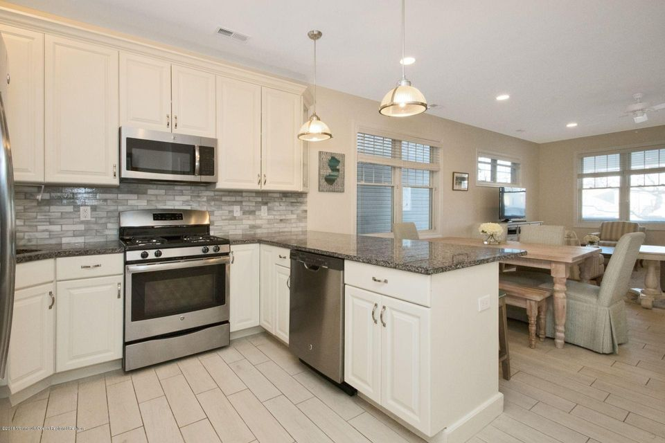Additional photo for property listing at 215 Sherman Avenue 215 Sherman Avenue Seaside Heights, Nueva Jersey 08751 Estados Unidos