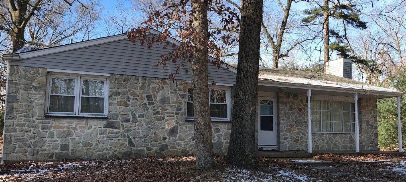 獨棟家庭住宅 為 出售 在 25 Pear Avenue 25 Pear Avenue Browns Mills, 新澤西州 08015 美國