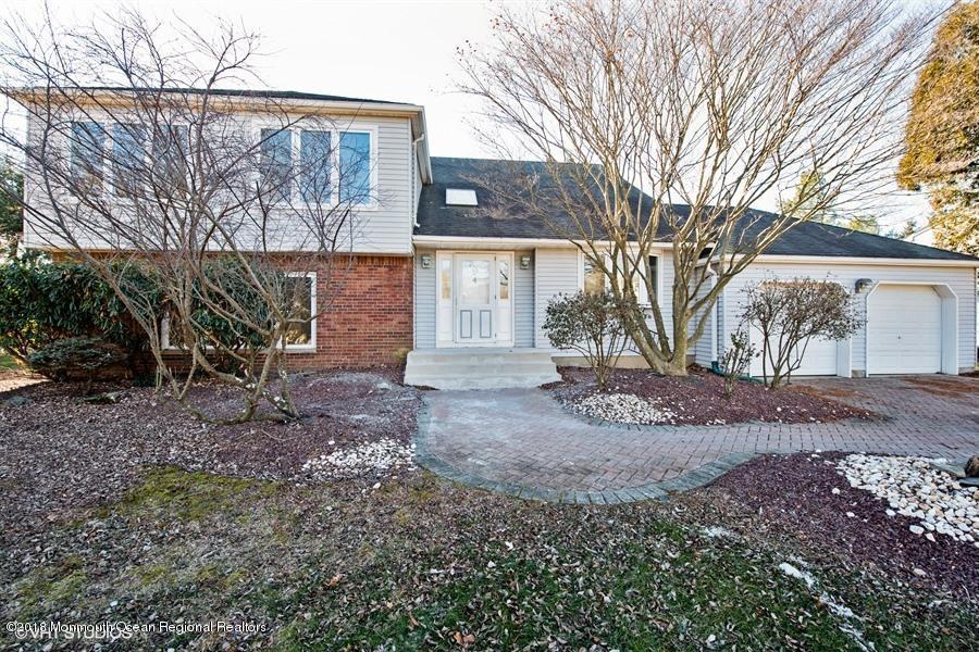 Villa per Vendita alle ore 9 Cannonade Drive 9 Cannonade Drive Marlboro, New Jersey 07746 Stati Uniti