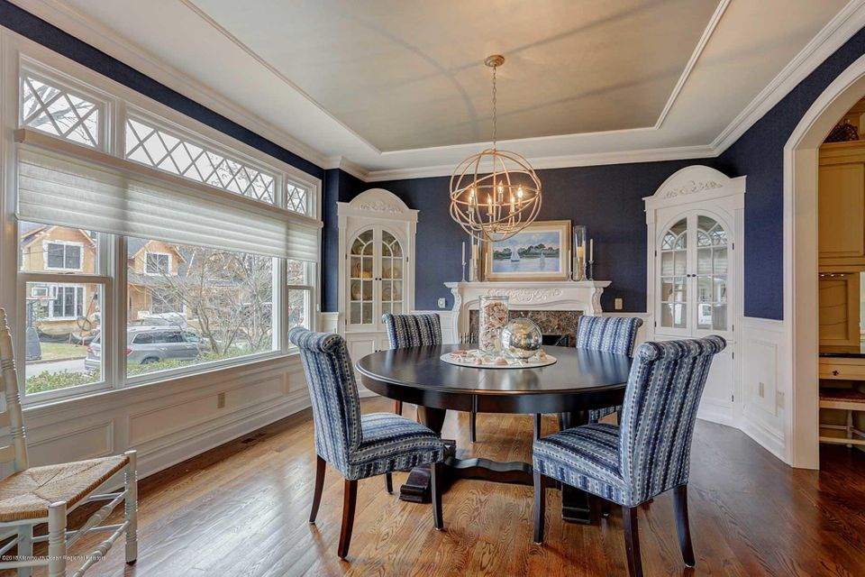 Dining rm. w. f/p and built ins.