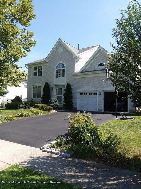 Einfamilienhaus für Mieten beim 45 Buckley Road 45 Buckley Road Marlboro, New Jersey 07746 Vereinigte Staaten