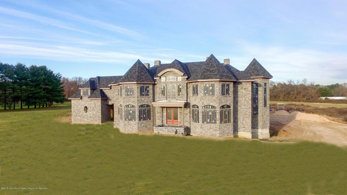 獨棟家庭住宅 為 出售 在 18 Princeton Lane 18 Princeton Lane Colts Neck, 新澤西州 07722 美國