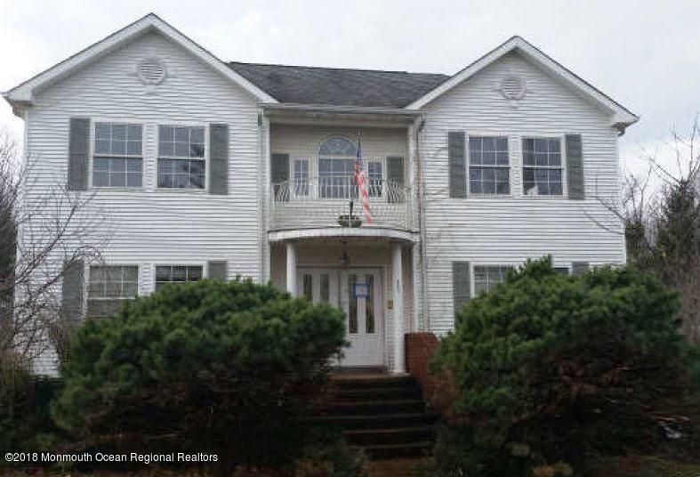 Частный односемейный дом для того Продажа на 686 Campbell Avenue 686 Campbell Avenue Port Monmouth, Нью-Джерси 07758 Соединенные Штаты