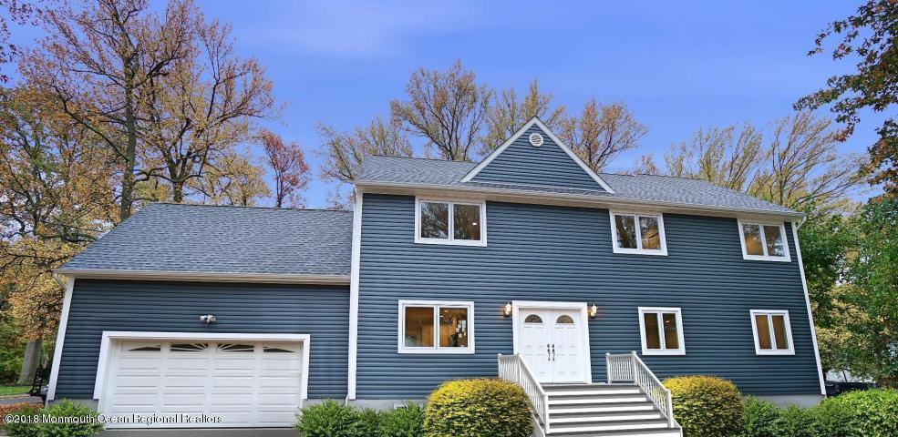 Maison unifamiliale pour l Vente à 10 Briarwood Avenue 10 Briarwood Avenue Middletown, New Jersey 07748 États-Unis