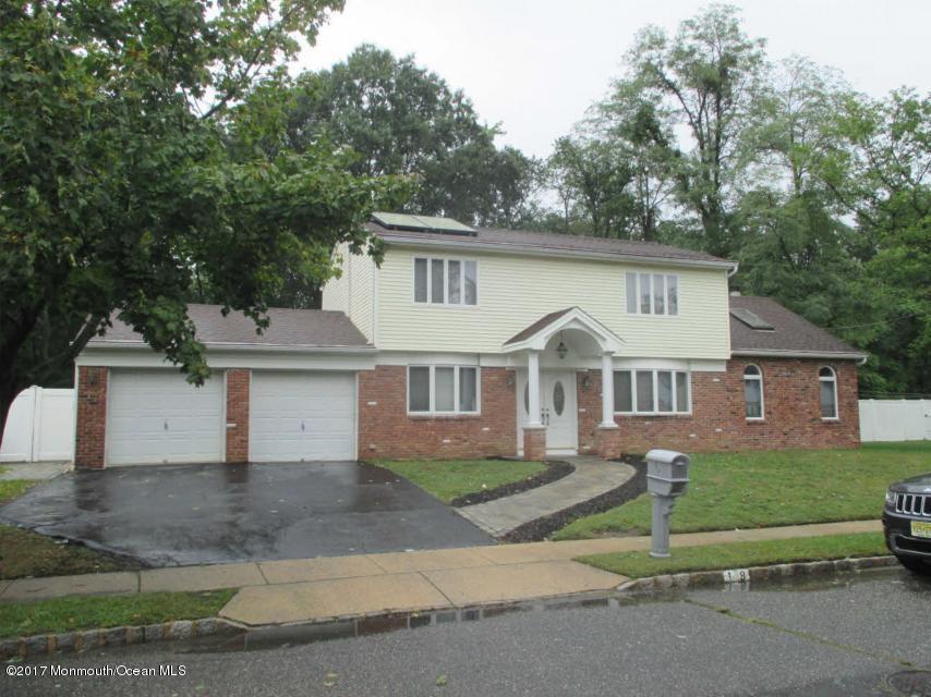 獨棟家庭住宅 為 出售 在 19 Minuteman Road 19 Minuteman Road Hazlet, 新澤西州 07730 美國