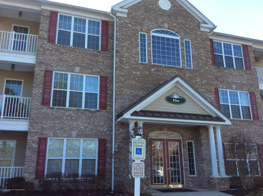 独户住宅 为 出租 在 535 Sophee Lane 535 Sophee Lane 莱克伍德, 新泽西州 08701 美国