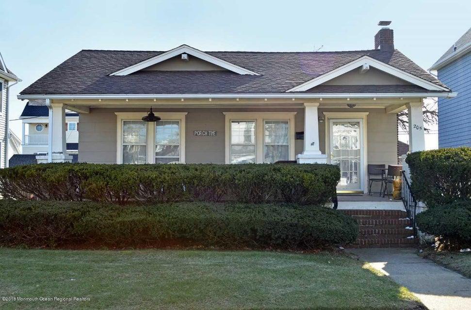Casa para uma família para Venda às 205 Washington Avenue 205 Washington Avenue Avon, Nova Jersey 07717 Estados Unidos