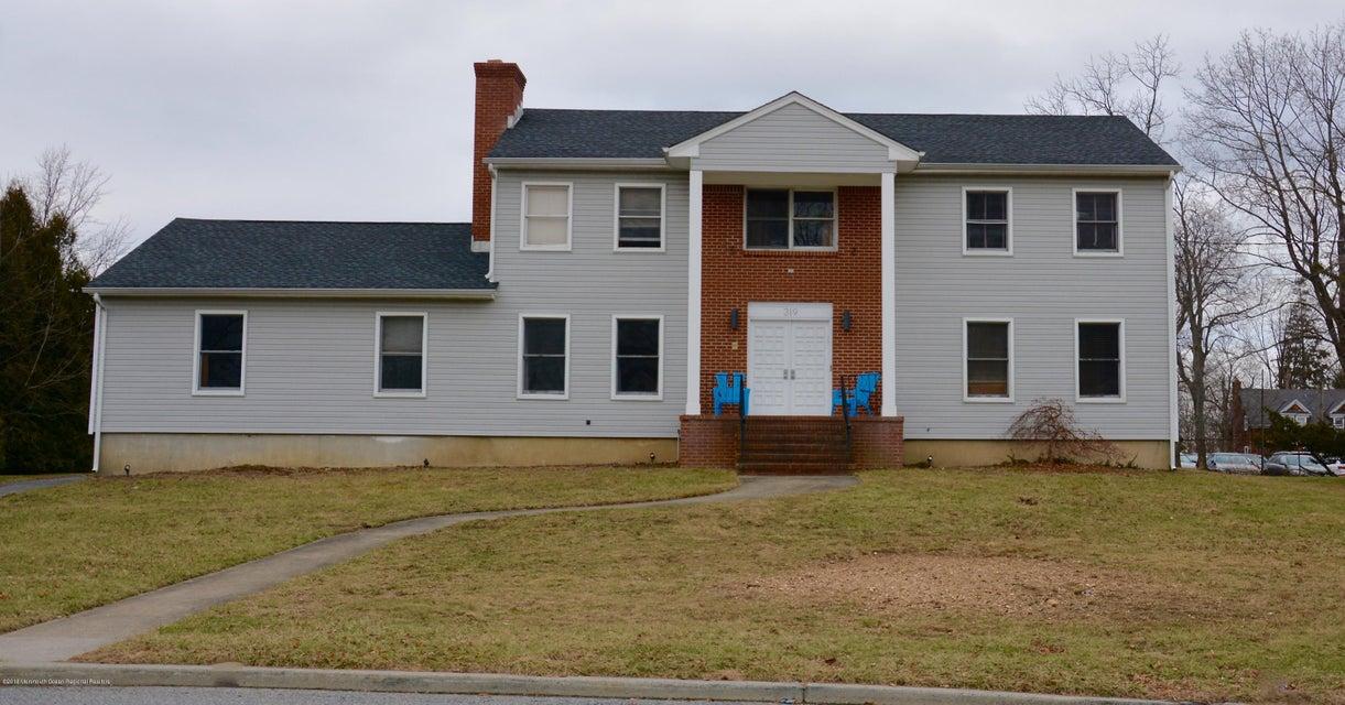 Casa Unifamiliar por un Alquiler en 319 Park Avenue 319 Park Avenue Elberon, Nueva Jersey 07740 Estados Unidos