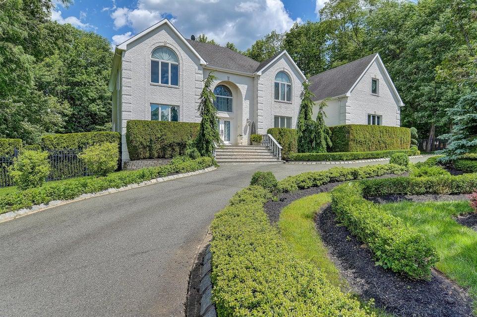 Maison unifamiliale pour l Vente à 47 Crine Road 47 Crine Road Morganville, New Jersey 07751 États-Unis
