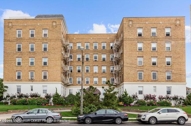 Appartement en copropriété pour l à louer à 500 Deal Lake Drive 500 Deal Lake Drive Asbury Park, New Jersey 07712 États-Unis