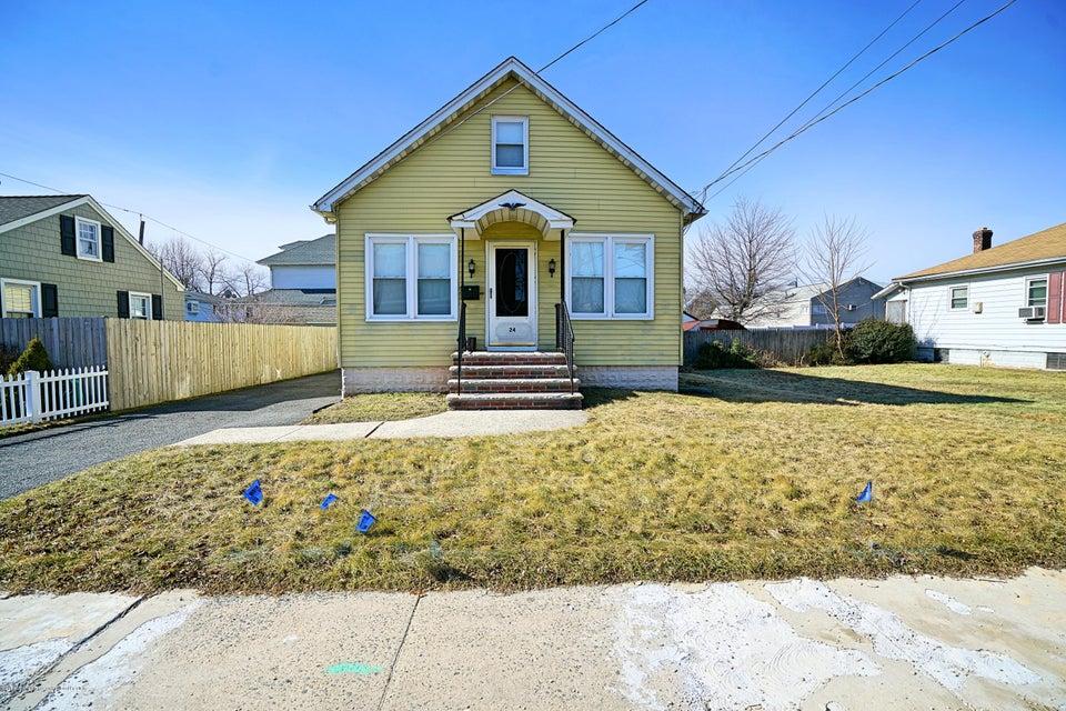 Maison unifamiliale pour l Vente à 24 Plainfield Avenue 24 Plainfield Avenue Edison, New Jersey 08817 États-Unis