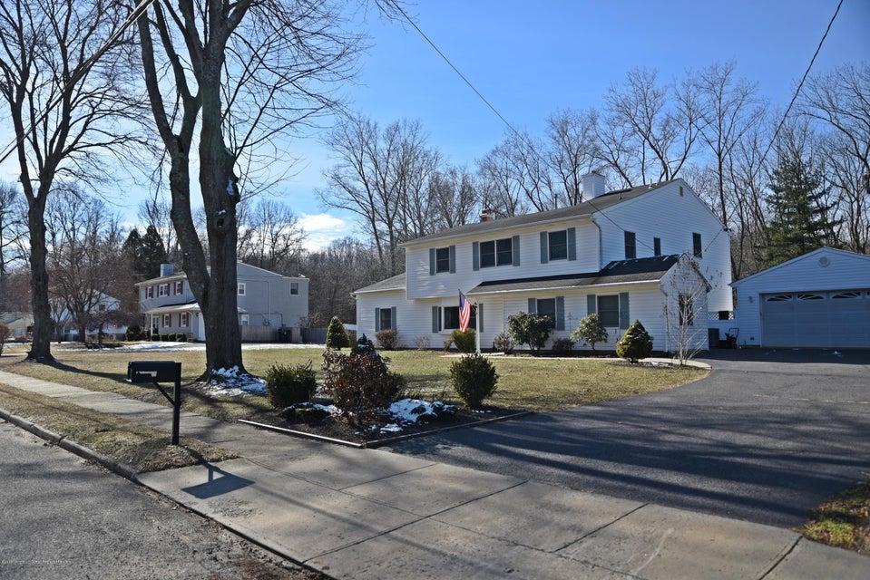 Частный односемейный дом для того Продажа на 49 Nautilus Drive 49 Nautilus Drive Leonardo, Нью-Джерси 07737 Соединенные Штаты