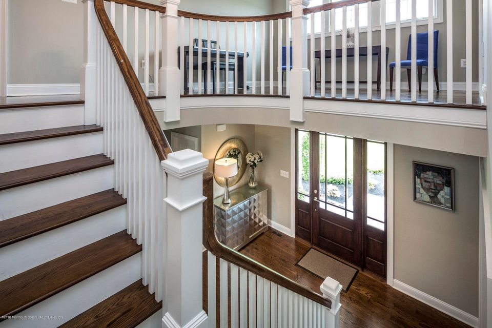 30_32_Stairway