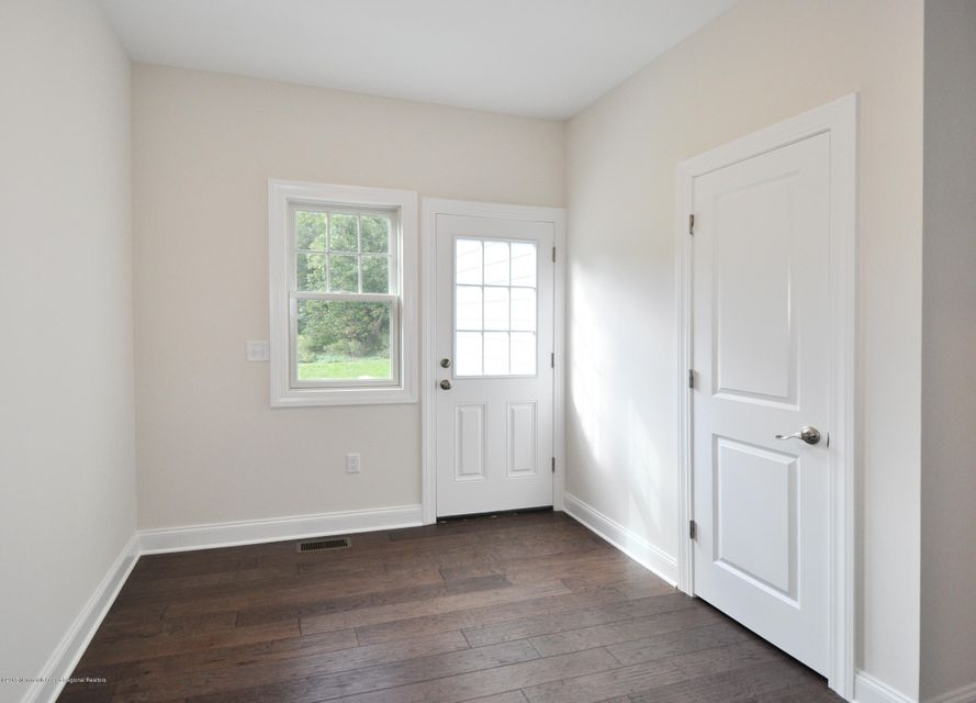 18GoldCourtMudRoom