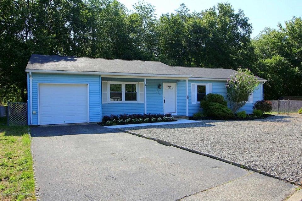 Vivienda unifamiliar por un Venta en 503 Knollwood Court 503 Knollwood Court Lanoka Harbor, Nueva Jersey 08734 Estados Unidos