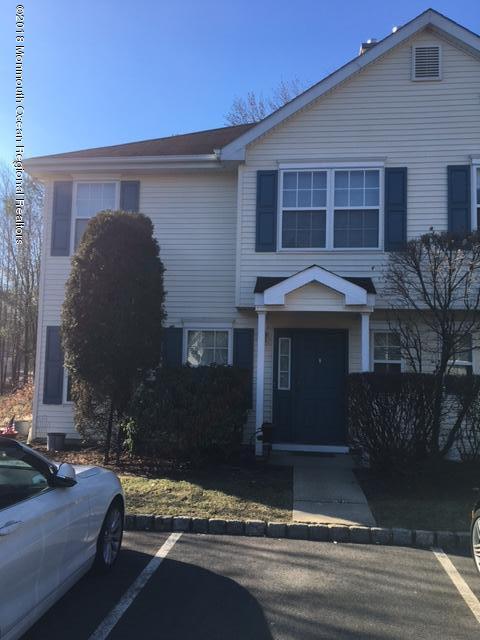 共管式独立产权公寓 为 出租 在 514 Tivoli Court 514 Tivoli Court 摩根维尔, 新泽西州 07751 美国