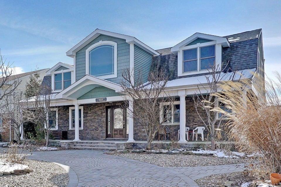 独户住宅 为 销售 在 1848 Northwest Drive 1848 Northwest Drive 特普莱森特, 新泽西州 08742 美国
