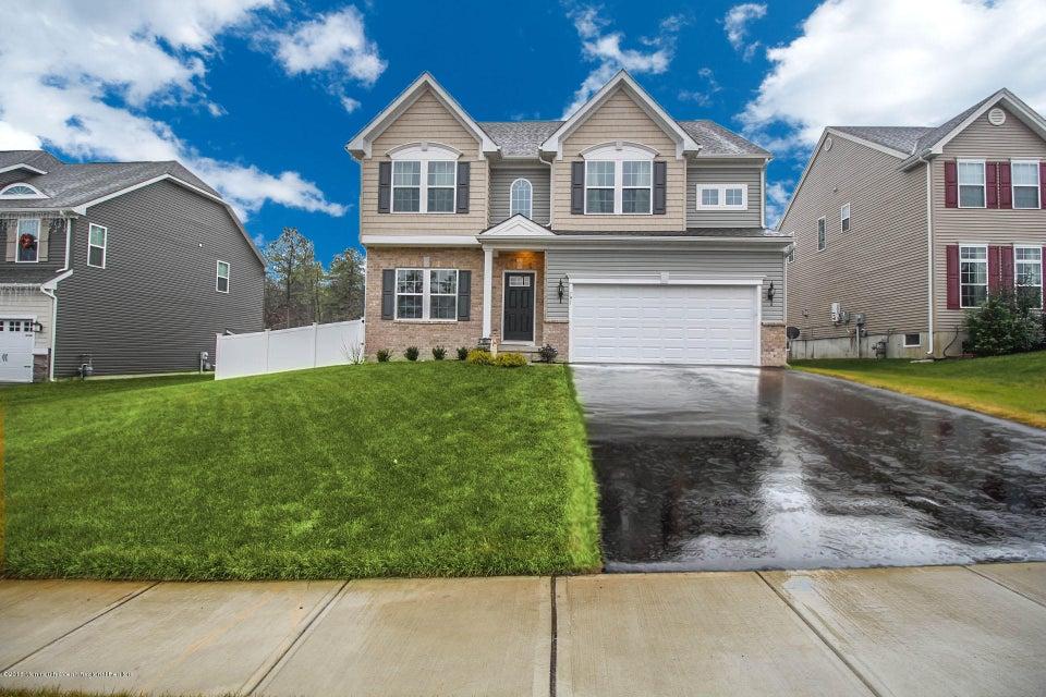 独户住宅 为 销售 在 191 Emerson Lane 191 Emerson Lane 巴奈加特, 新泽西州 08005 美国