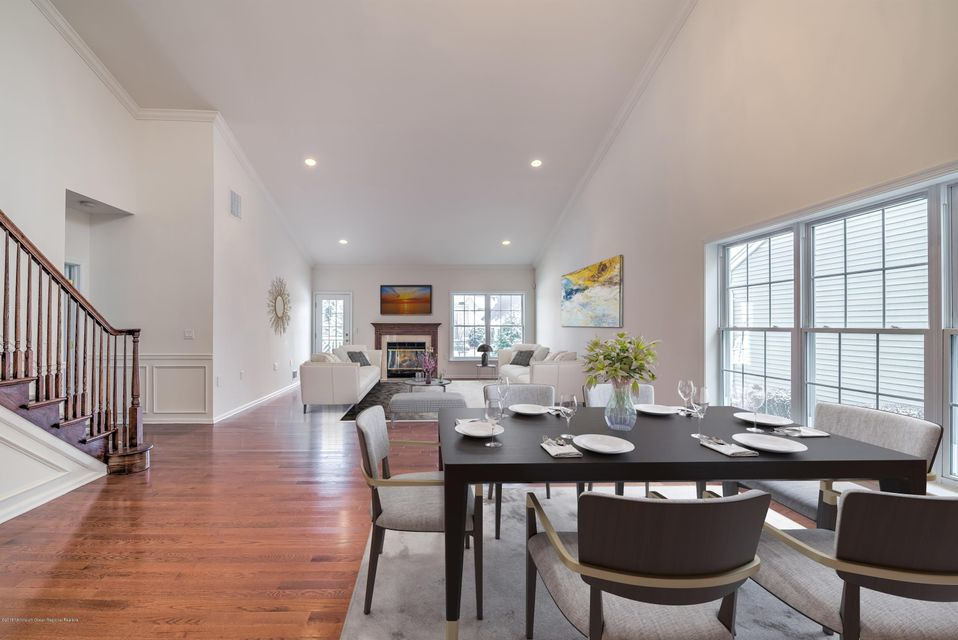 STAGED DINING ROOMDEN