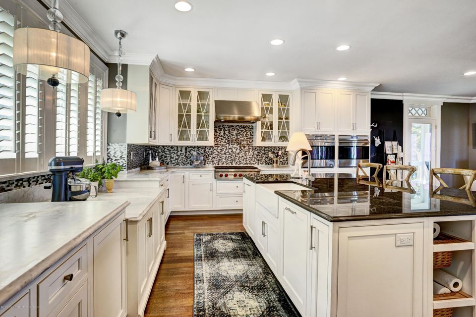 Kitchen showing Baker Height Cabinetry