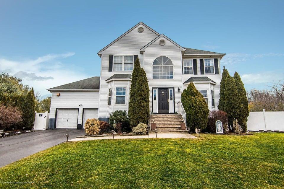 独户住宅 为 销售 在 46 Bedle Road 46 Bedle Road 黑兹利特, 新泽西州 07730 美国