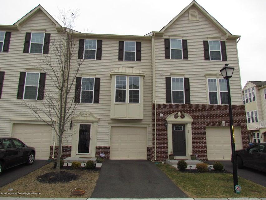 Condomínio para Arrendamento às 52 Kyle Drive 52 Kyle Drive Tinton Falls, Nova Jersey 07712 Estados Unidos