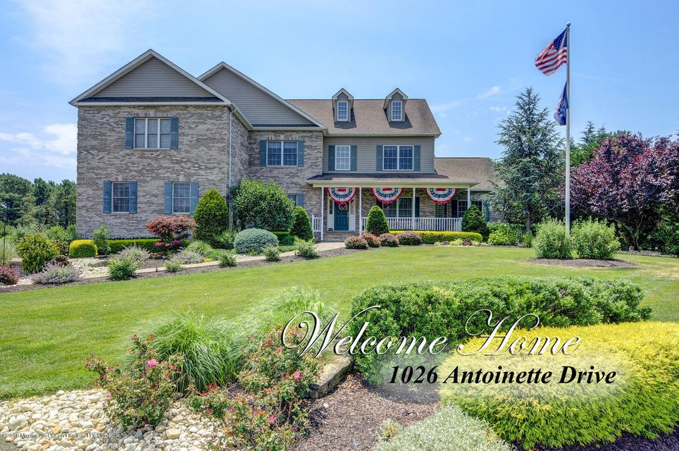 Single Family Home for Sale at 1026 Antoinette Drive 1026 Antoinette Drive Monroe, New Jersey 08831 United States