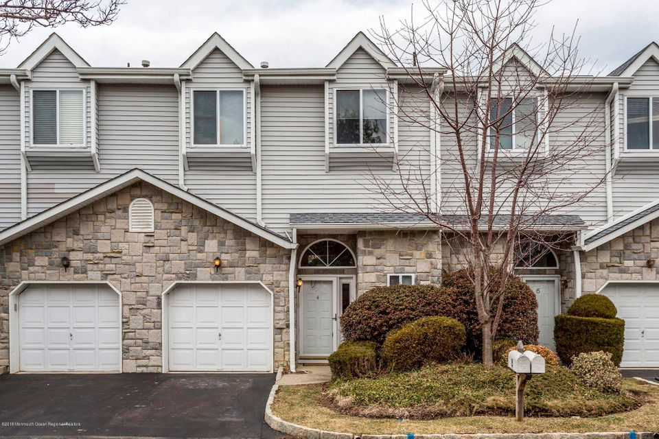 Single Family Home for Sale at 4 Catherine Court 4 Catherine Court Laurence Harbor, New Jersey 08879 United States