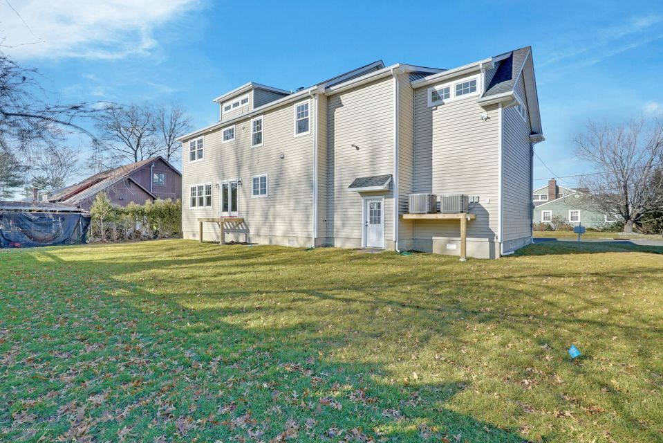 Additional photo for property listing at 66 Algonquin Avenue 66 Algonquin Avenue Oceanport, New Jersey 07757 États-Unis
