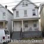 Casa para uma família para Locação às 38 Delafield Street 38 Delafield Street New Brunswick, Nova Jersey 08901 Estados Unidos