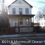 Casa para uma família para Locação às 52 Delafield Street 52 Delafield Street New Brunswick, Nova Jersey 08901 Estados Unidos