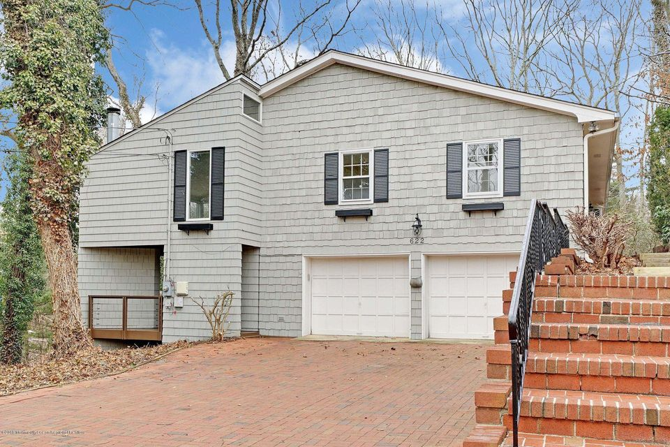 Single Family Home for Sale at 622 Holly Hill Drive 622 Holly Hill Drive Brielle, New Jersey 08730 United States