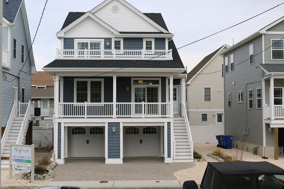 Single Family Home for Sale at 68 Coolidge Avenue 68 Coolidge Avenue Ortley Beach, New Jersey 08751 United States