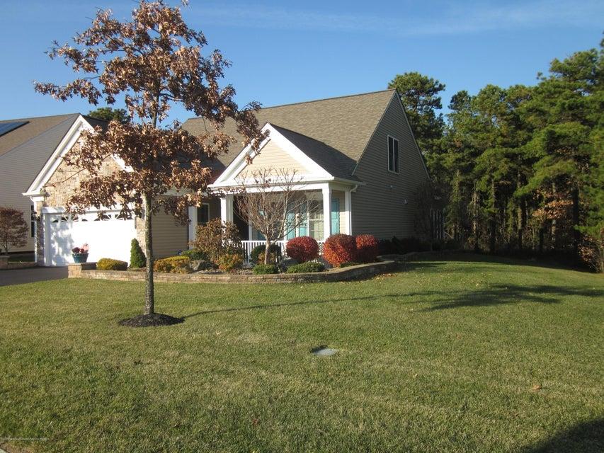 Casa Unifamiliar por un Venta en 54 Aberdeen Lane 54 Aberdeen Lane Manchester, Nueva Jersey 08759 Estados Unidos