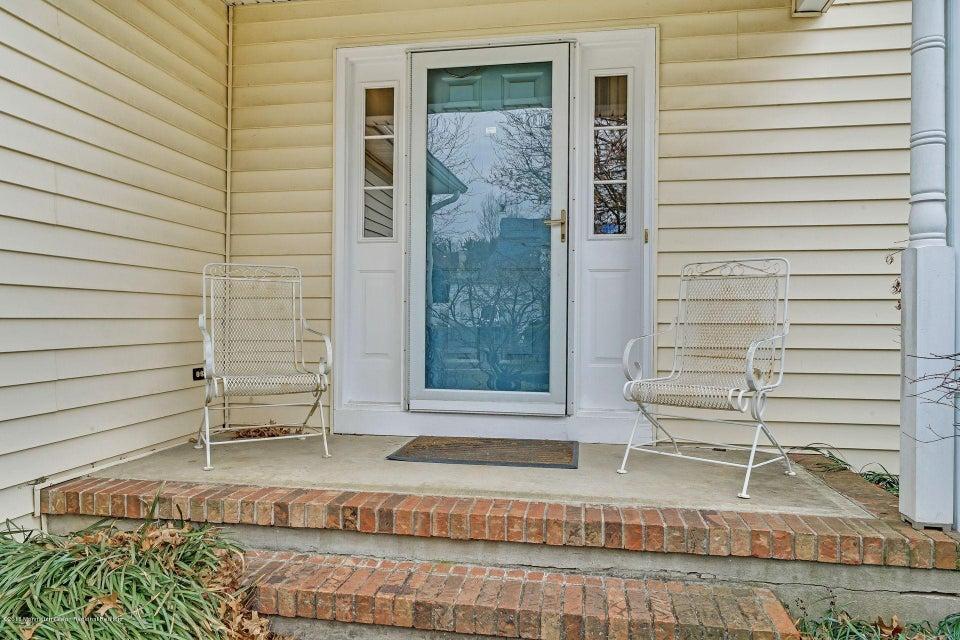 Maison unifamiliale pour l Vente à 97 Meadow Drive 97 Meadow Drive Shrewsbury, New Jersey 07702 États-Unis