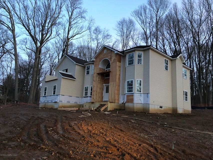 独户住宅 为 销售 在 8 Rues Lane 8 Rues Lane 门罗, 新泽西州 08831 美国
