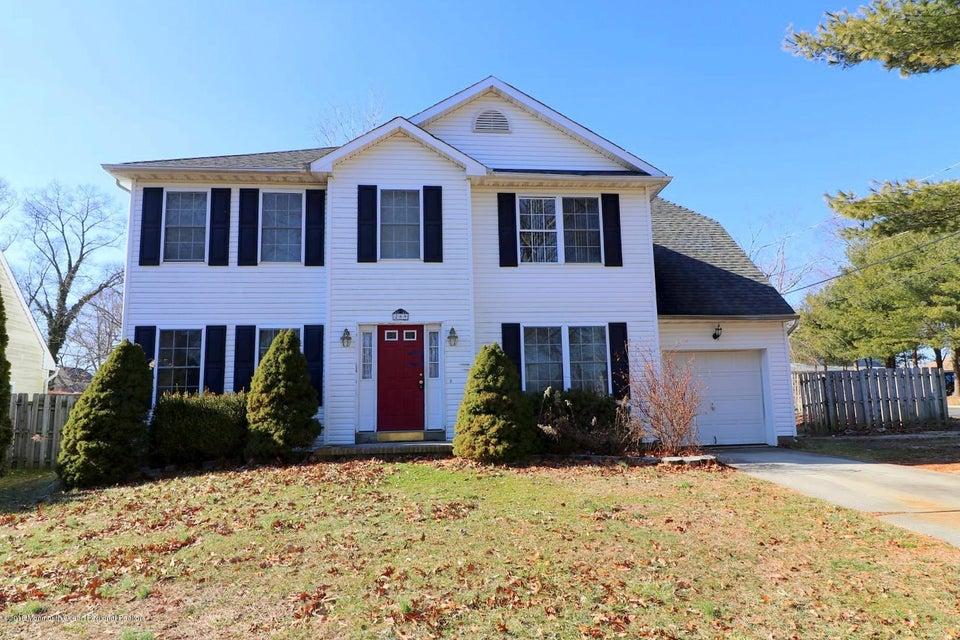 Nhà ở một gia đình vì Bán tại 209 Gilford Avenue 209 Gilford Avenue Island Heights, New Jersey 08732 Hoa Kỳ