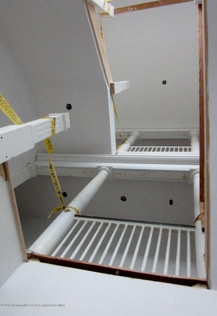 104 Allen stairwell