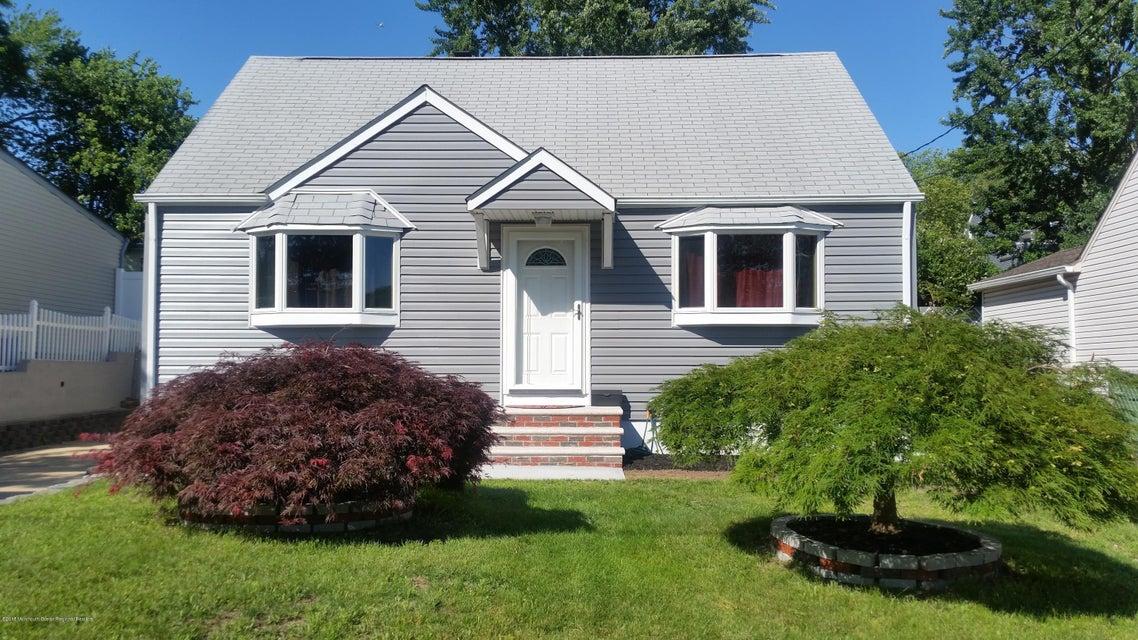 Casa Unifamiliar por un Venta en 132 Coolidge Avenue 132 Coolidge Avenue Parlin, Nueva Jersey 08859 Estados Unidos