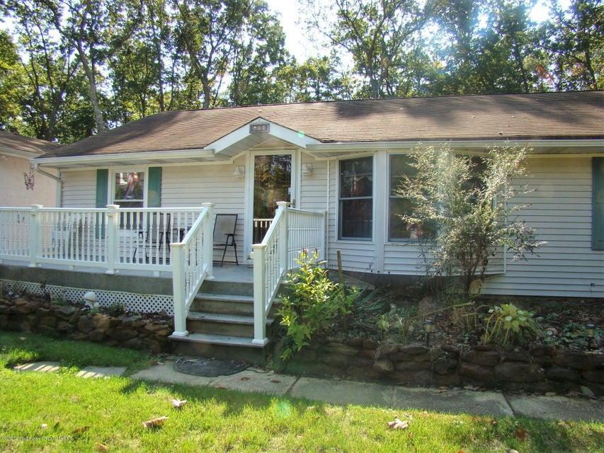 Casa Unifamiliar por un Alquiler en 411 Commodore Boulevard 411 Commodore Boulevard Jackson, Nueva Jersey 08527 Estados Unidos