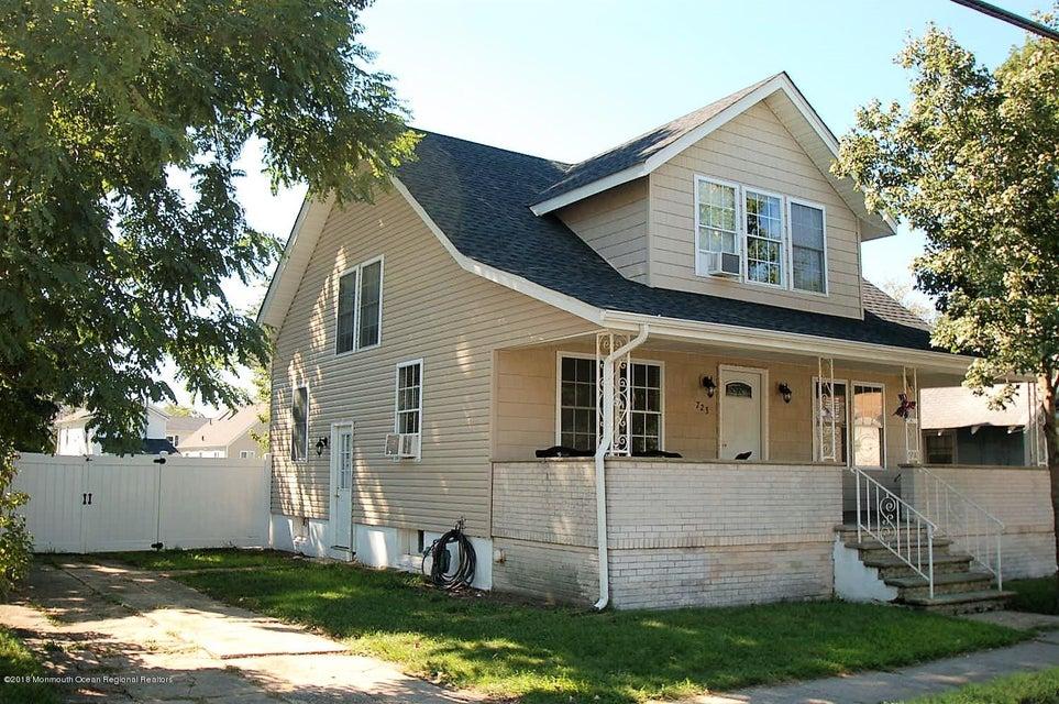 独户住宅 为 销售 在 723 17th Avenue 723 17th Avenue 科摩湖, 新泽西州 07719 美国