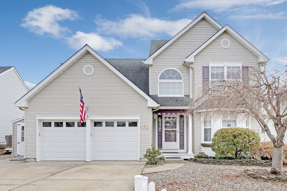 Maison unifamiliale pour l Vente à 20 Peaksail Drive 20 Peaksail Drive Bayville, New Jersey 08721 États-Unis