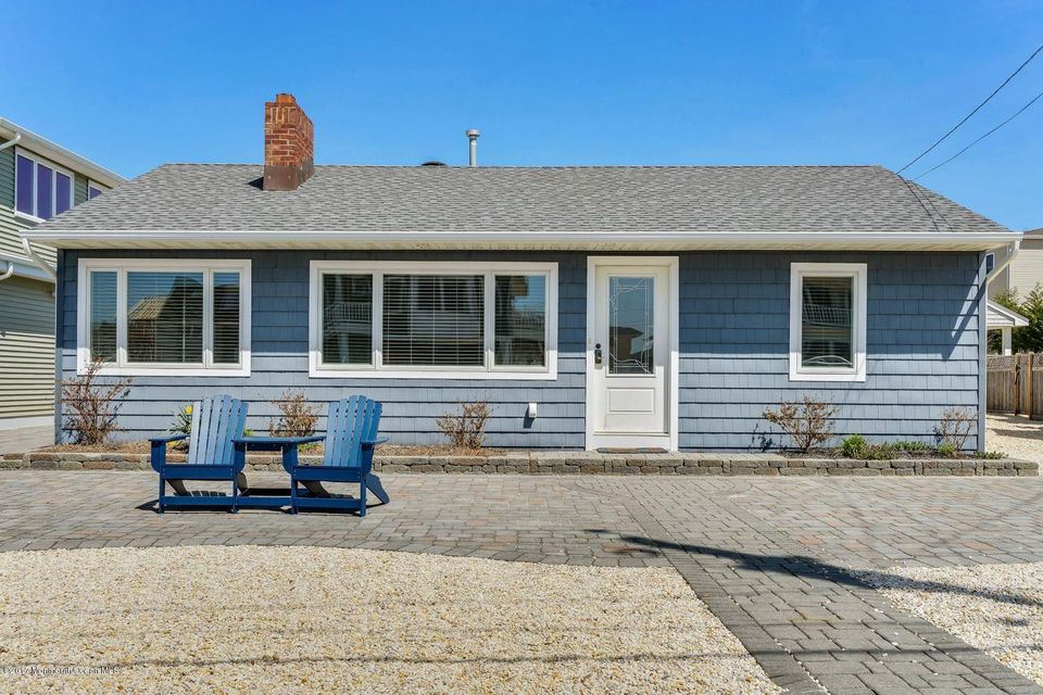 Single Family Home for Rent at 5 Dover Avenue 5 Dover Avenue Lavallette, New Jersey 08735 United States