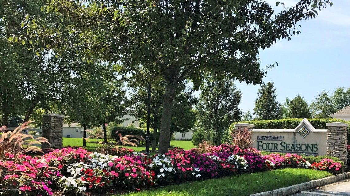 Four Seasons Entrance (4)