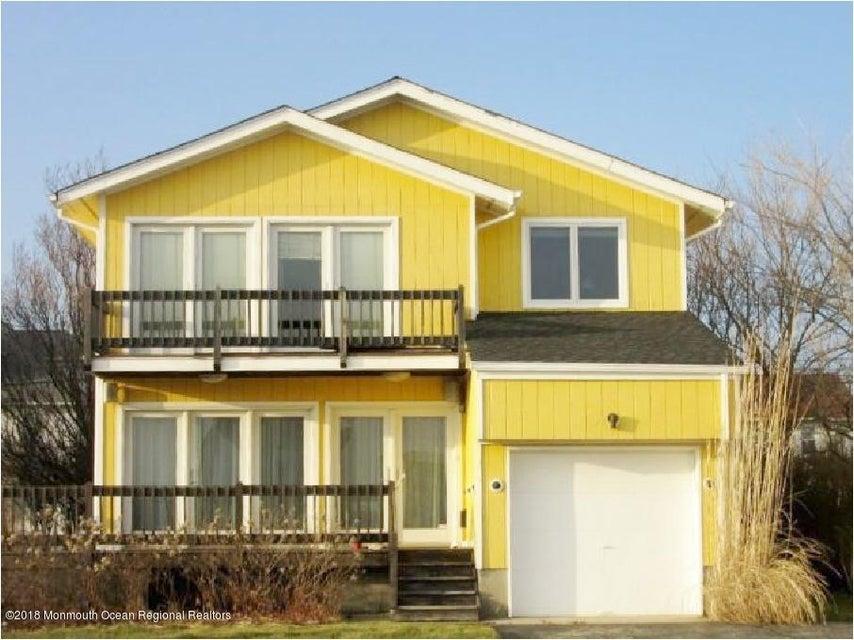 Maison unifamiliale pour l à louer à 105 Edgemont Drive 105 Edgemont Drive Allenhurst, New Jersey 07711 États-Unis