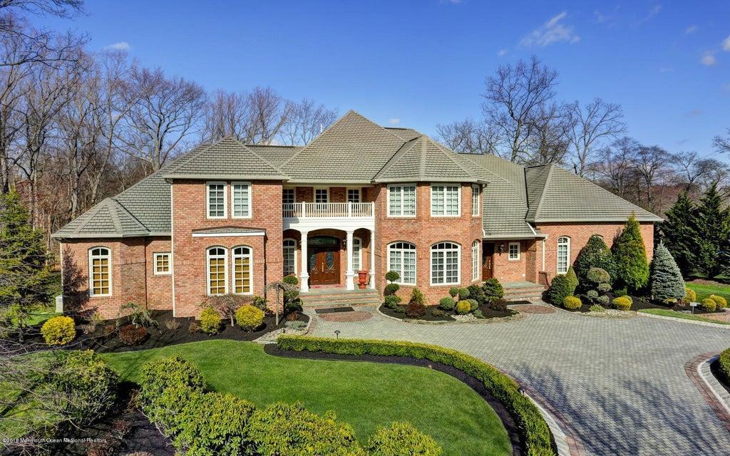Casa para uma família para Venda às 8 Lucas Lane 8 Lucas Lane Millstone, Nova Jersey 08510 Estados Unidos