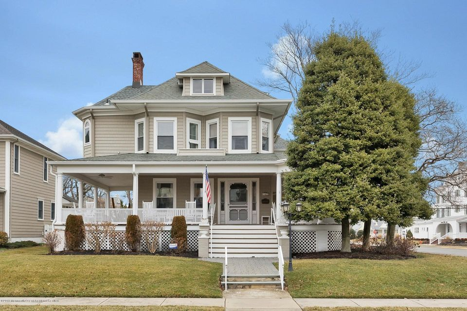Single Family Home for Sale at 200 Woodland Avenue 200 Woodland Avenue Avon, New Jersey 07717 United States