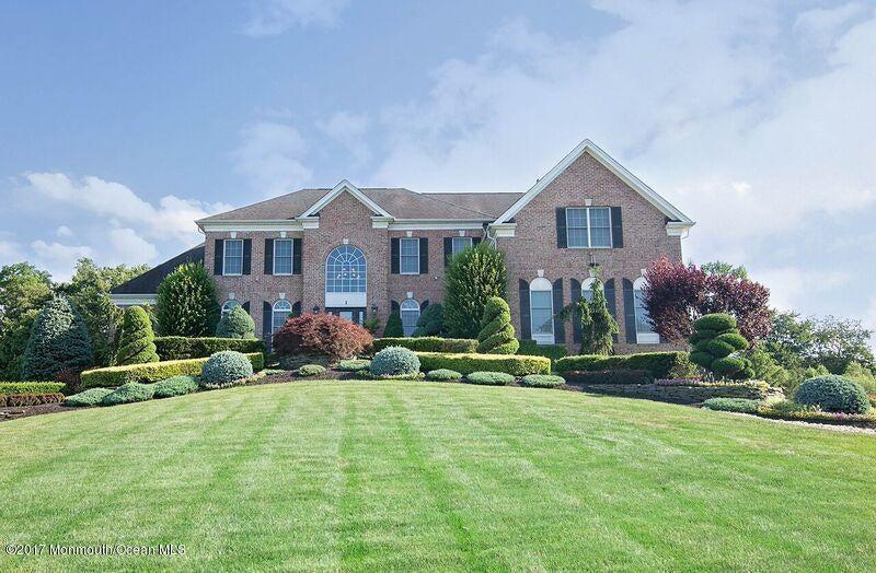 Casa para uma família para Venda às 1 Silverleaf Way 1 Silverleaf Way Manalapan, Nova Jersey 07726 Estados Unidos