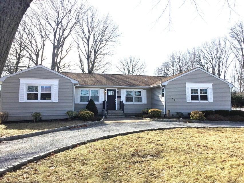獨棟家庭住宅 為 出售 在 162 Monmouth Boulevard 162 Monmouth Boulevard Oceanport, 新澤西州 07757 美國